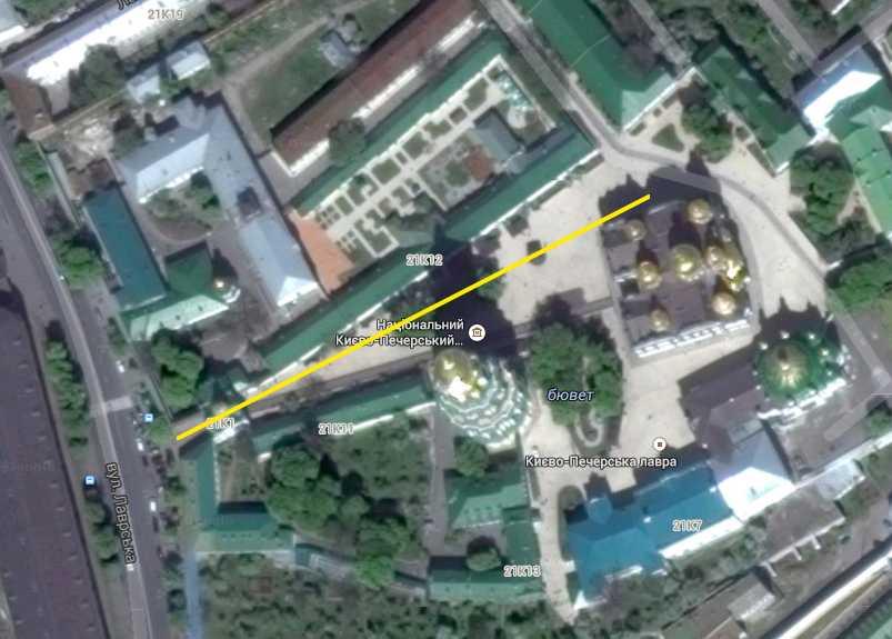 Верхня лавра на космічному фото Google (2014 р.)